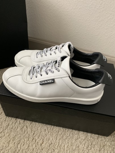Chanel Sneakers Sneakers Us7 White and black Athletic