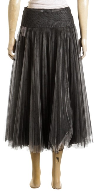 Preload https://img-static.tradesy.com/item/25042283/dior-black-and-white-pleated-tulle-488507-skirt-size-2-xs-26-0-1-650-650.jpg