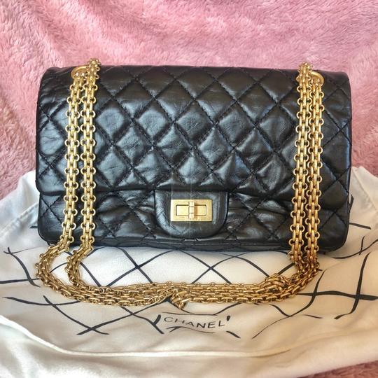 Preload https://img-static.tradesy.com/item/25042482/chanel-255-reissue-classic-flap-medium-black-lambskin-leather-cross-body-bag-0-0-540-540.jpg