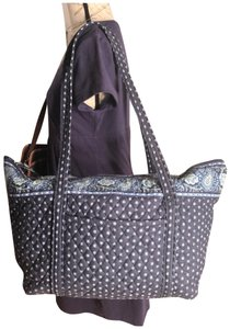 2a547ed9f0 Green Vera Bradley Weekend   Travel Bags - Up to 90% off at Tradesy