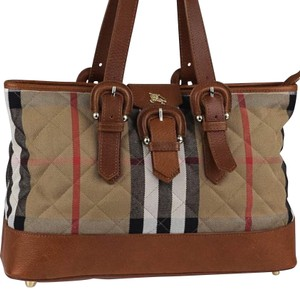 f2028585a8 Burberry Bags and Purses on Sale - Up to 70% off at Tradesy