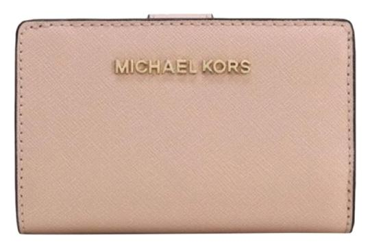 44cddf52f7f2 Michael Kors Jet Set Travel Bifold Zip Coin Wallet - Tradesy