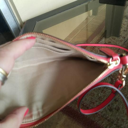 Coach Leather Gold Cross Body Bag Image 3