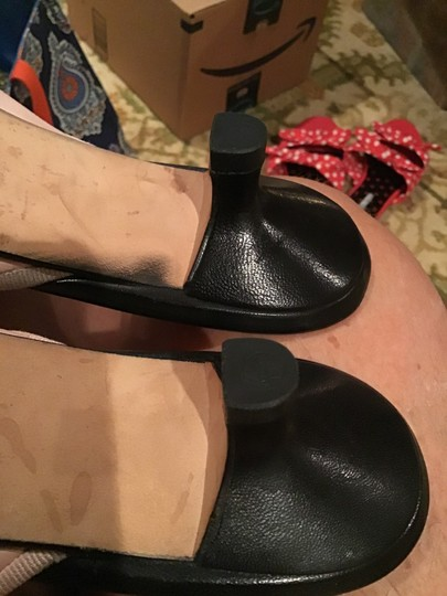 Chanel Euc Leather W/ Front Bow Kitten Heel Made In Italy Cc Logo On Toe Black and Light Pink Mules Image 9