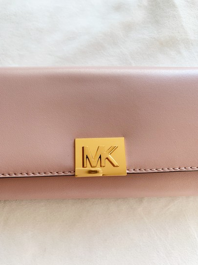 Michael Kors Michael Kors Carryall Mindy Leather Wallet Image 8