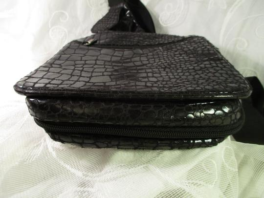 Travelon Organizer Faux Croc Onm 002 Cross Body Bag Image 3