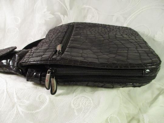 Travelon Organizer Faux Croc Onm 002 Cross Body Bag Image 5