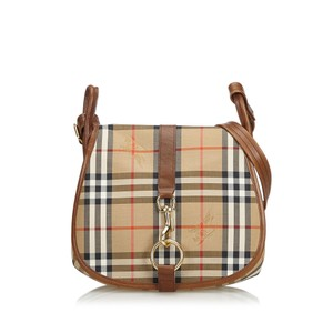 Burberry Crossbody Bags - Up to 70% off at Tradesy 793a11b6ecf30