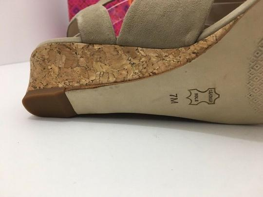Tory Burch Suede Wedge Size 7 Tan Sandals Image 10