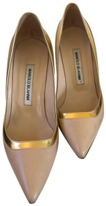 Manolo Blahnik Nude beige gold metallic Pumps