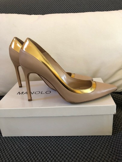 Manolo Blahnik Nude beige gold metallic Pumps Image 1