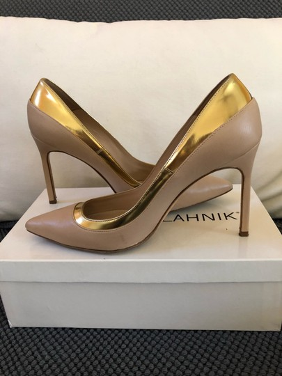 Manolo Blahnik Nude beige gold metallic Pumps Image 2