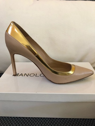 Manolo Blahnik Nude beige gold metallic Pumps Image 3