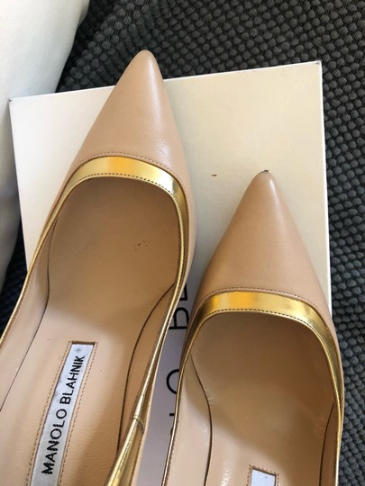 Manolo Blahnik Nude beige gold metallic Pumps Image 6