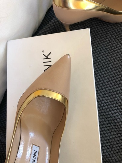 Manolo Blahnik Nude beige gold metallic Pumps Image 8