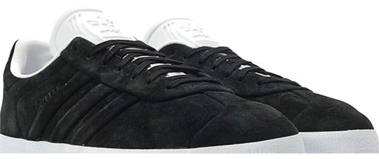 Preload https://img-static.tradesy.com/item/25049822/jcrew-black-suede-upper-with-white-soles-adidas-gazelle-stitch-and-turn-sneakers-size-us-105-regular-0-2-540-540.jpg