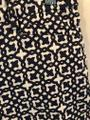 Laundry by Shelli Segal Print Dress Shorts Navy and White Image 4