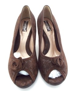 BeautiFeel Tooled Laser Cut Corsage Embossed Comfy Brown Pumps