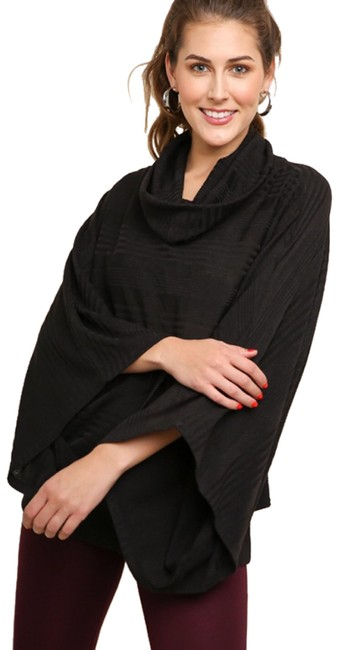 Preload https://img-static.tradesy.com/item/25050287/umgee-black-l-dolman-sleeve-cowl-neck-pullover-poncho-2046-tunic-size-12-l-0-1-650-650.jpg