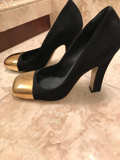 Saint Laurent black suede and gold tone metal Pumps Image 1