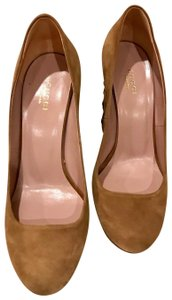 Gucci Tan Pumps