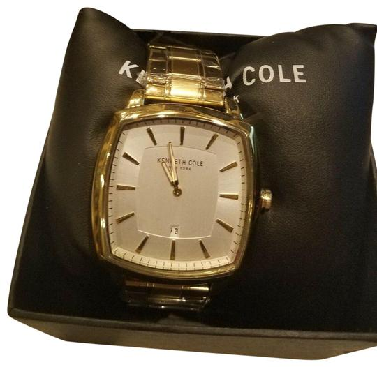 Preload https://img-static.tradesy.com/item/25050779/kenneth-cole-gold-kc50525010-watch-0-1-540-540.jpg