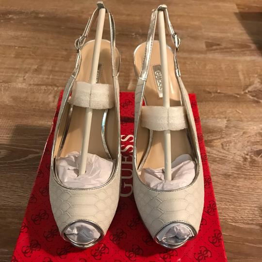 Guess white/ silver Pumps Image 1