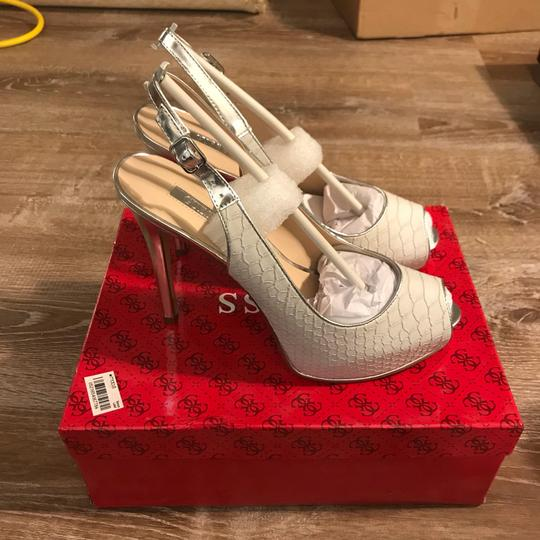 Guess white/ silver Pumps Image 2