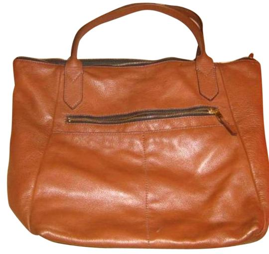 Preload https://img-static.tradesy.com/item/25051381/fossil-medium-brown-cowhide-leather-tote-0-1-540-540.jpg