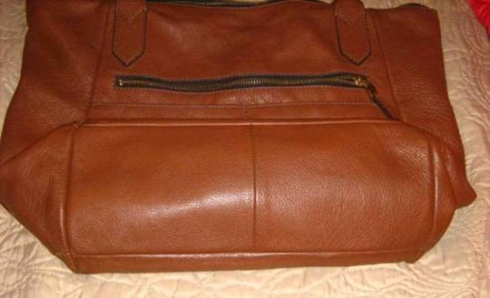Fossil Tote in Medium Brown Image 1