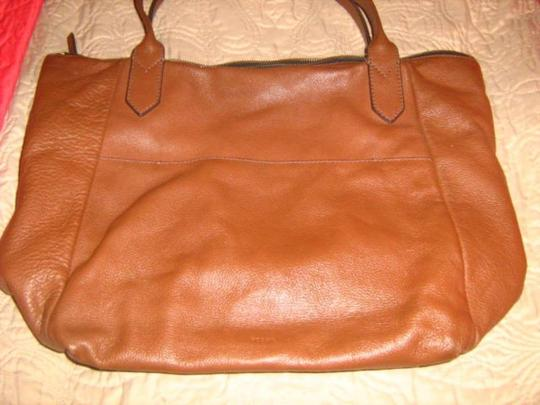 Fossil Tote in Medium Brown Image 2