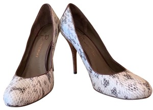 9680b95a641 Women s B. Makowsky Shoes - Up to 90% off at Tradesy