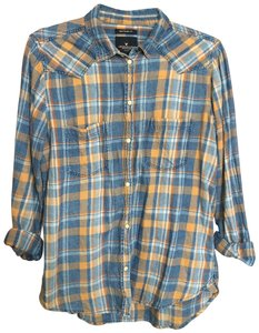 American Eagle Outfitters Button Down Shirt Dusty yellow and pale blue plaid