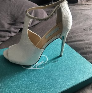 92007bef215 Betsey Johnson Wedding Shoes - Up to 90% off at Tradesy