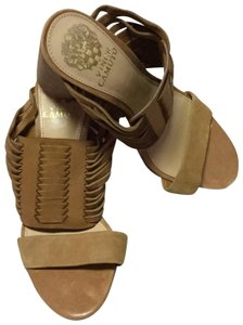 29bf4a8820ee Brown Vince Camuto Sandals - Up to 90% off at Tradesy