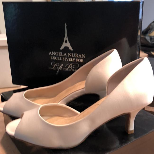 Item - Ivory Silk Serendipity Pumps Size US 6.5 Regular (M, B)