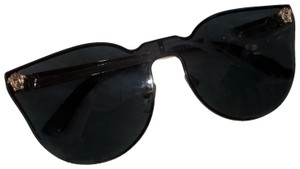 1c64e00c56a Versace Sunglasses - Up to 70% off at Tradesy