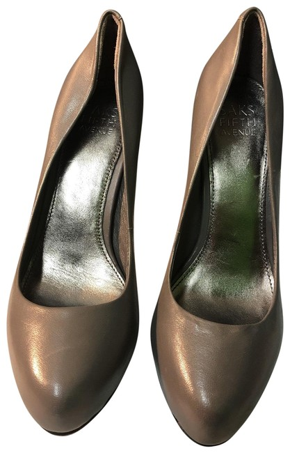 Saks Fifth Avenue Round Pumps Size US 6 Regular (M, B) Saks Fifth Avenue Round Pumps Size US 6 Regular (M, B) Image 1
