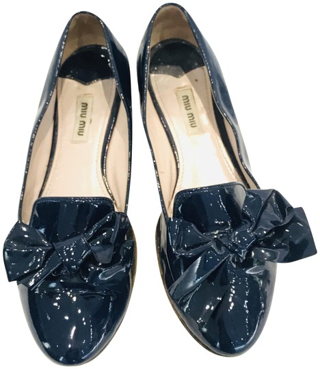 Preload https://img-static.tradesy.com/item/25060994/miu-miu-blue-calzature-donna-vernice-swarovski-crystal-flats-size-eu-38-approx-us-8-regular-m-b-0-2-540-540.jpg
