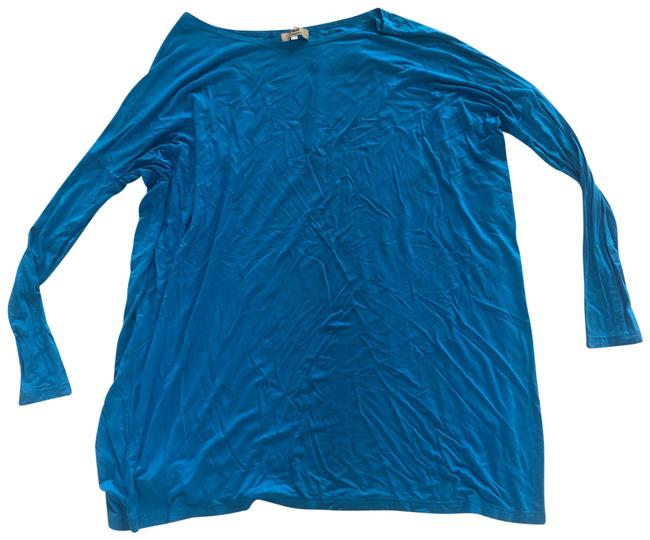 Item - Blue Longsleeve So Soft Like New Tee Shirt Size 8 (M)