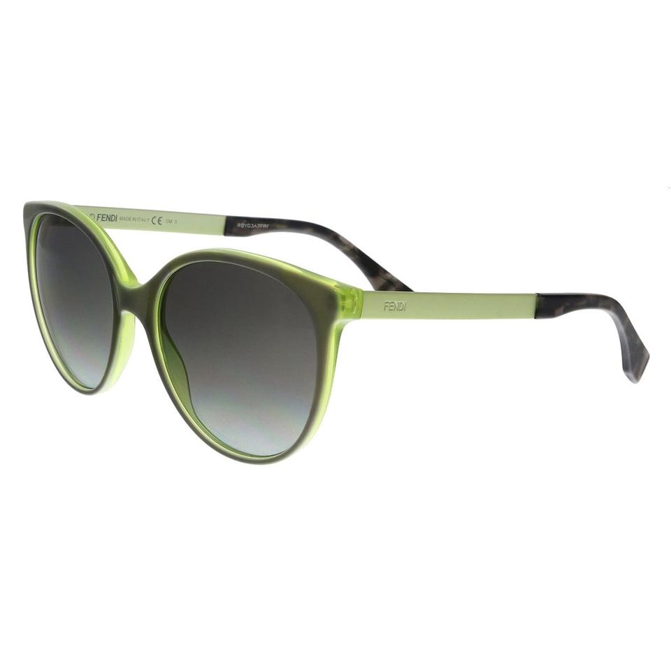 77af26dbed2a Fendi Sunglasses - Up to 70% off at Tradesy (Page 3)