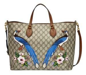 cb7875e80 Added to Shopping Bag. Gucci Tote in Beige/Ebony. Gucci Garden Souvenir  Collection ...