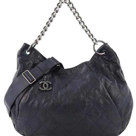 Preload https://img-static.tradesy.com/item/25063131/chanel-hobo-excellent-used-blue-and-silver-lambskin-leather-hobo-bag-0-1-540-540.jpg