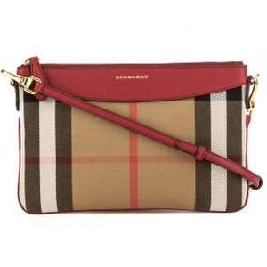 Burberry Bags and Purses on Sale - Up to 70% off at Tradesy ca0cf8c9862c1