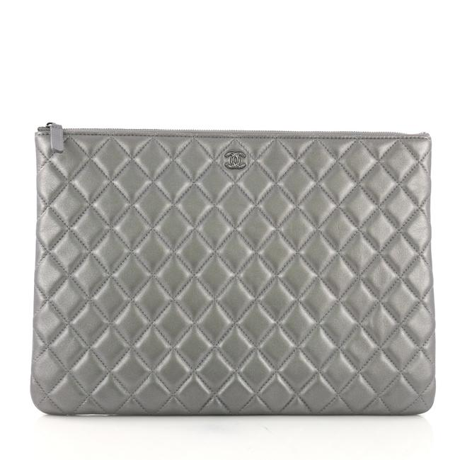 Item - Case Quilted Large Silver Lambskin Leather Clutch