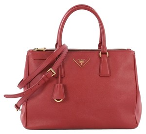 69001b48d2e1 Prada Saffiano Double Zip Totes - Up to 70% off at Tradesy (Page 3)