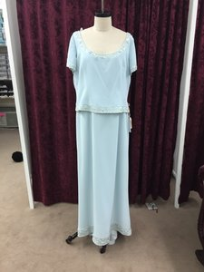 Cameron Blake Ice Blue Silky Crepe 17600 Formal Bridesmaid/Mob Dress Size 18 (XL, Plus 0x)