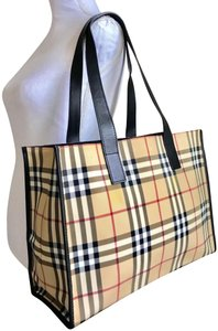 af53284a1737 Burberry Bags and Purses on Sale - Up to 70% off at Tradesy