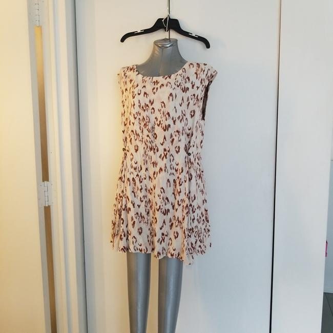 Preload https://img-static.tradesy.com/item/25070523/free-press-white-leopard-mini-short-casual-dress-size-4-s-0-0-650-650.jpg
