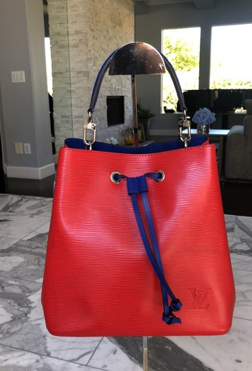 Preload https://item3.tradesy.com/images/louis-vuitton-neonoe-2018-red-and-blue-epi-leather-hobo-bag-25072197-0-6.jpg?width=440&height=440